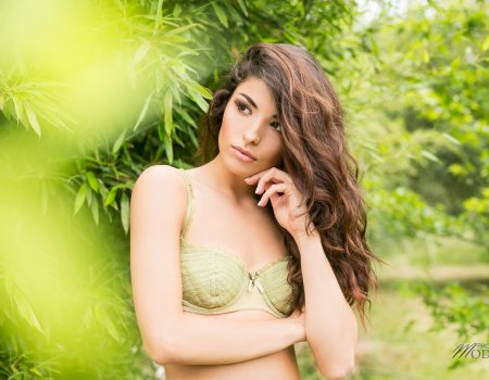 Shooting lingerie aux couleurs du printemps