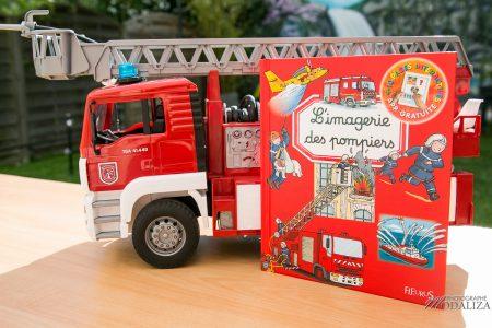 photo livres jeunesse fleurus imagerie pompiers schtroumpfs maman blogueuse test livre enfant by modaliza photographe-5782