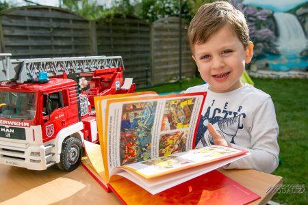 photo livres jeunesse fleurus imagerie pompiers schtroumpfs maman blogueuse test livre enfant by modaliza photographe-5807