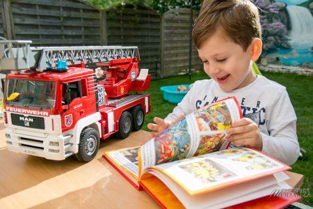 photo livres jeunesse fleurus imagerie pompiers schtroumpfs maman blogueuse test livre enfant by modaliza photographe-5812