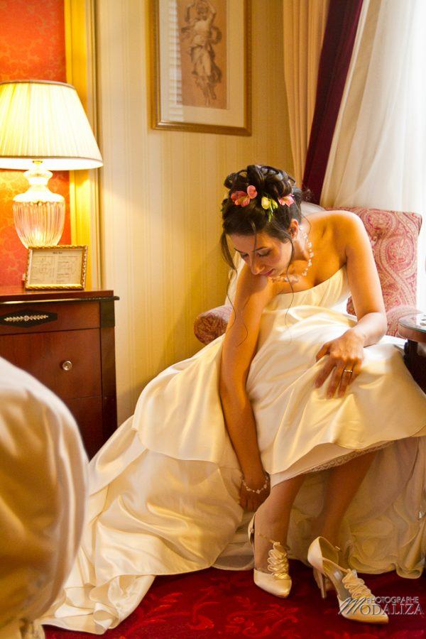 photo reportage mariage preparatif de la mariée coiffure maquillage habillage grand hotel opera Paris by modaliza photographe-90