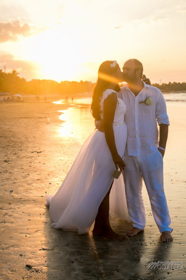 photo mariage plage republique dominicaine beach destination wedding photographer dominican republic sunset couple bride by modaliza photographe-19