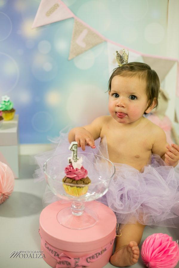 photographe anniversaire cake smash bordeaux gironde studio photo cupcakes petite fille girl poupee by modaliza photographe-6863