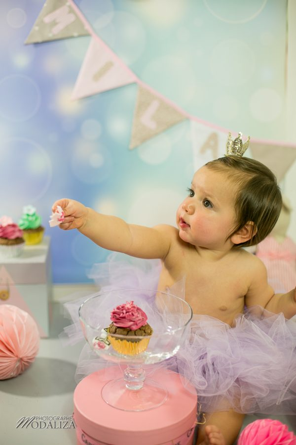 photographe anniversaire cake smash bordeaux gironde studio photo cupcakes petite fille girl poupee by modaliza photographe-6882