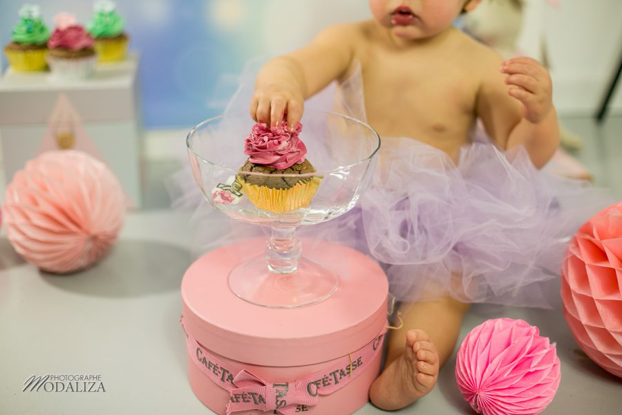 photographe anniversaire cake smash bordeaux gironde studio photo cupcakes petite fille girl poupee by modaliza photographe-6900