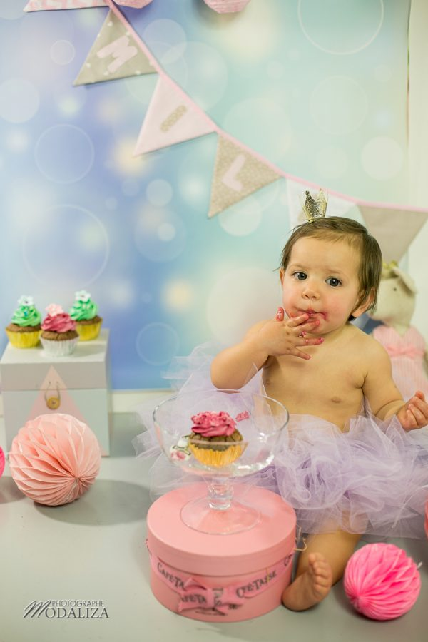 photographe anniversaire cake smash bordeaux gironde studio photo cupcakes petite fille girl poupee by modaliza photographe-6918