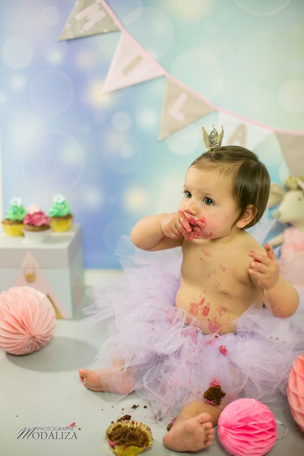 photographe anniversaire cake smash bordeaux gironde studio photo cupcakes petite fille girl poupee by modaliza photographe-7027
