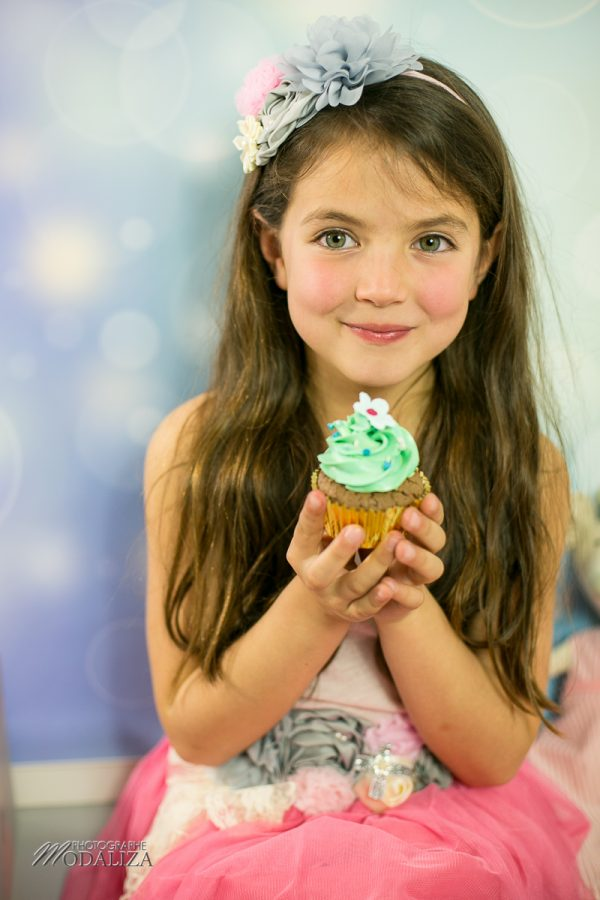 photographe anniversaire cake smash bordeaux gironde studio photo cupcakes petite fille girl poupee by modaliza photographe-7122