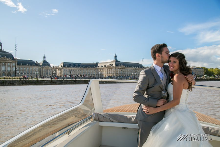 photographe mariage wedding maries arrivee bateau bordeaux centre place de la bourse chateau grattequina gironde by modaliza photographe-0029