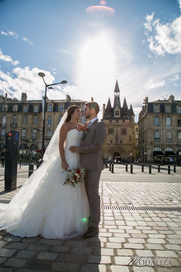 photographe mariage wedding maries arrivee bateau bordeaux centre place de la bourse chateau grattequina gironde by modaliza photographe-0755