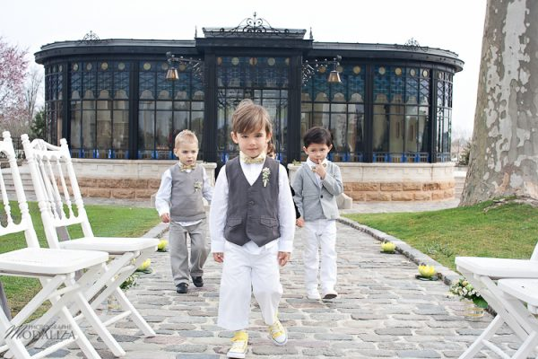 photo child wedding love yellow rustic children campagne chic by modaliza -6151