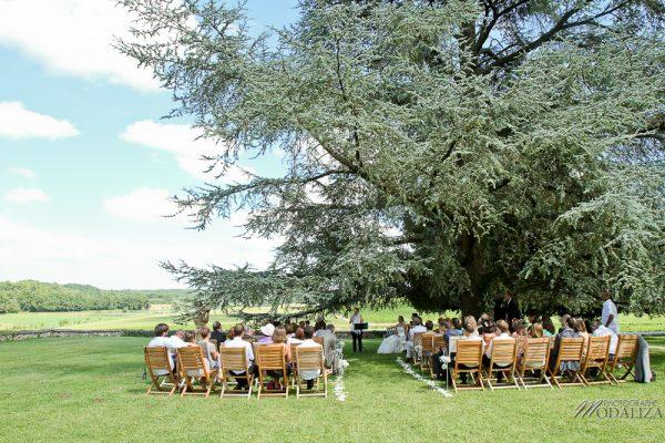 photo mariage ceremonie exterieur laique sous un arbre parc vignes chateau pey la tour bordeaux gironde by modaliza photographe-187