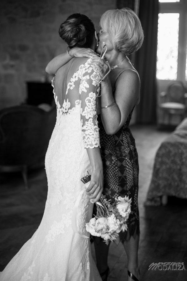 photo mariage wedding preparatifs mariee bride robe dentelle grignols domaine dame blanche gironde by modaliza photographe-239