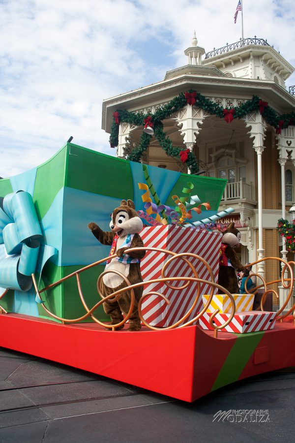 disney orlando disneylworld magic kingdom christmas noel parade modaliza blog-48