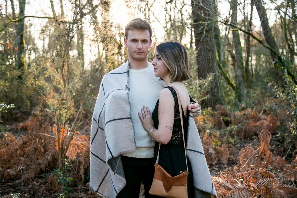 photo shoot couple hiver gold winter lovers sunset foret automne love session by modaliza photographe-8324