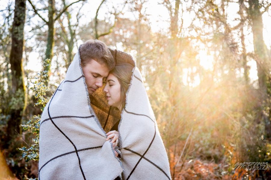 photo shoot couple hiver gold winter lovers sunset foret automne love session by modaliza photographe-8356
