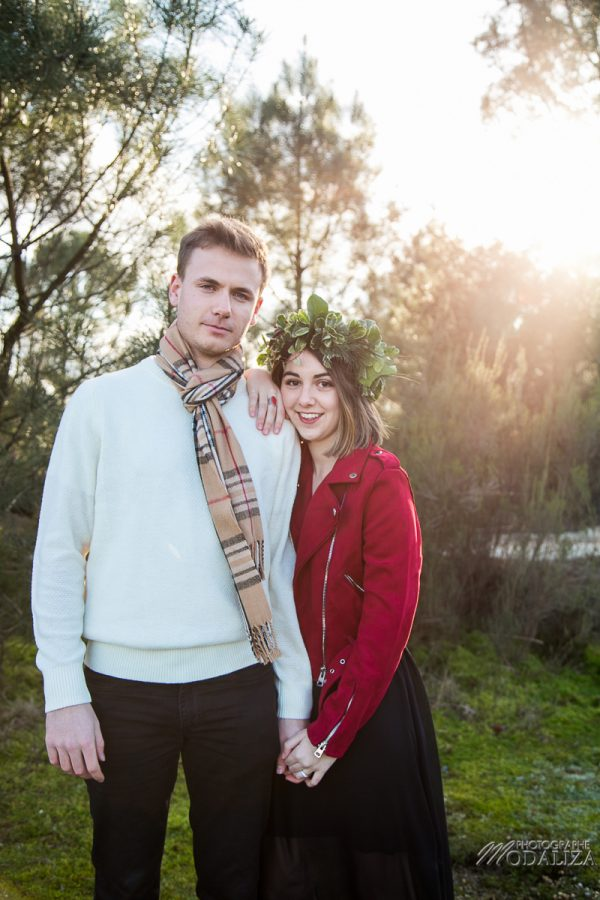 photo shoot couple hiver rouge winter lovers red lips couronne feuilles by modaliza photographe-8240