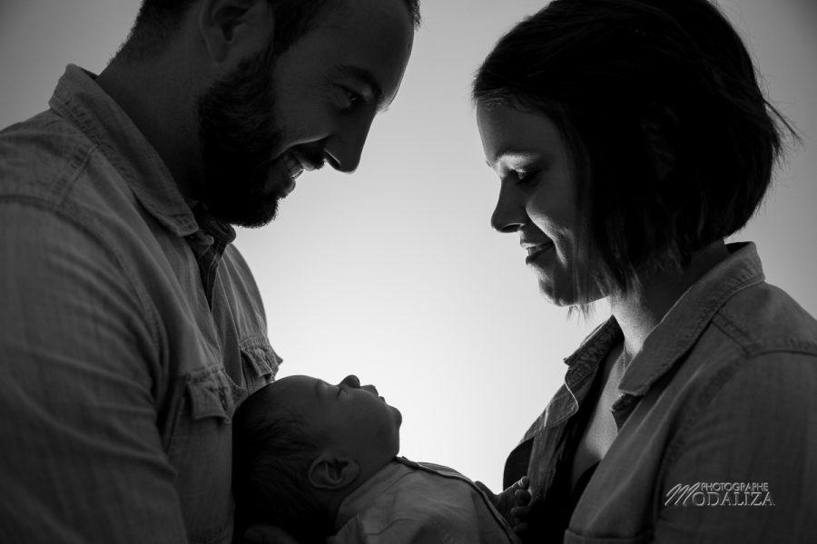 photographe famille bordeaux bebe garcon studio domicile merignac jeu lumiere ombre family shadow by modaliza photo