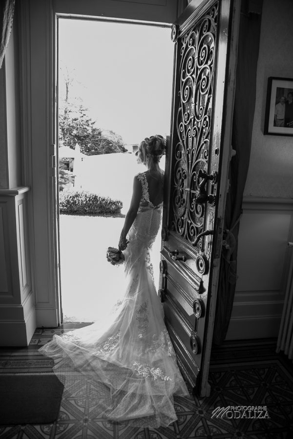 reportage photographe mariage bordeaux chateau pontet d eyrans wedding dress lace by modaliza photo-7300