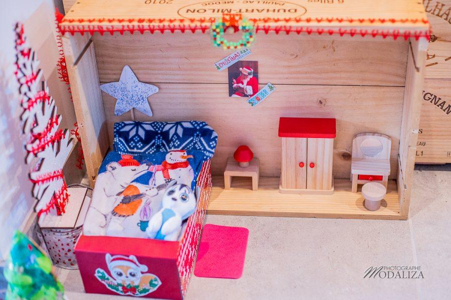 accueillir un lutin de noel maison lit farceur elf on shelf porte magique pere noel by modaliza photographe-100