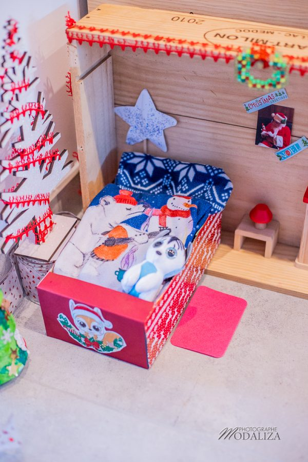 photo maison lit lutin de noel farceur elf on shelf porte magique pere noel by modaliza photographe-101